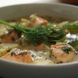 Finnish Salmon Soup (Lohikeitto)